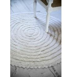 Runder Teppich mit Häkelspitze