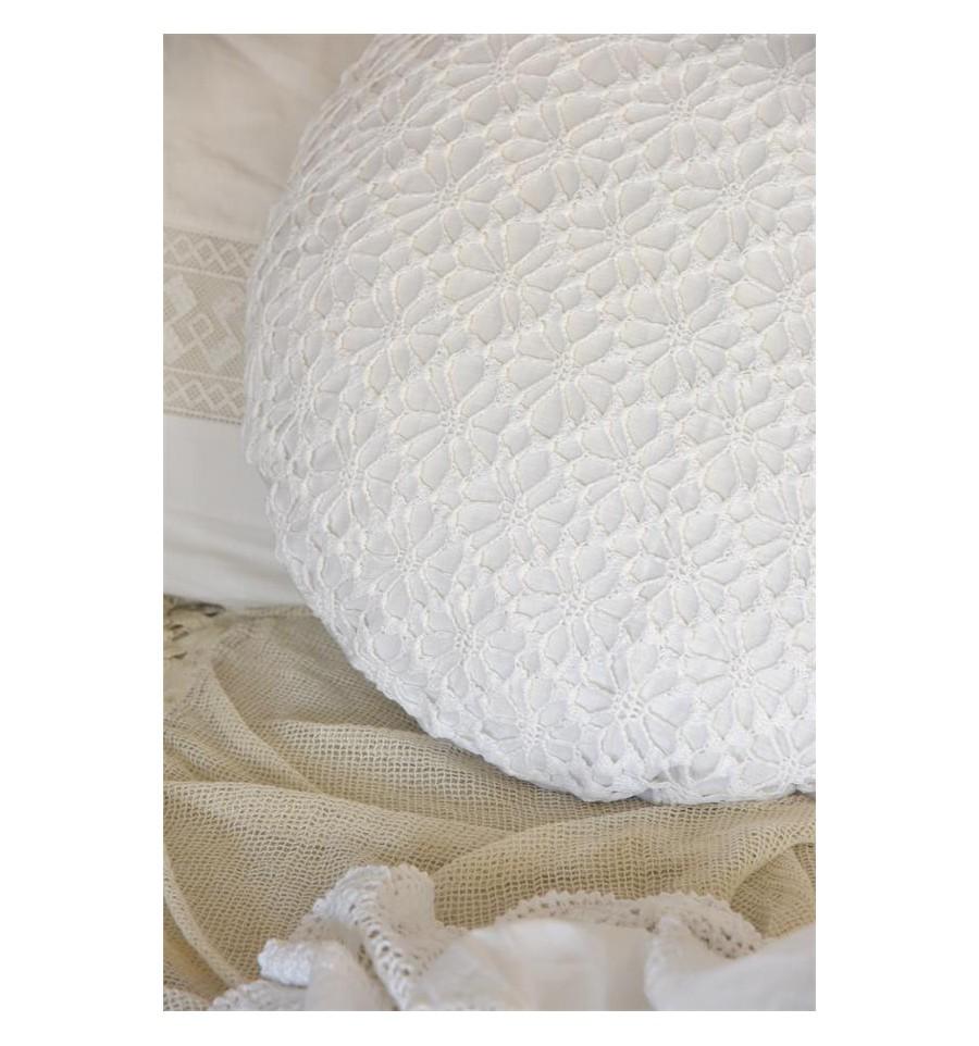 kissenbezug mit h kelspitze rund wei kissenbez ge. Black Bedroom Furniture Sets. Home Design Ideas