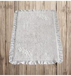 Badteppich mit Blüten-Stickerei weiß