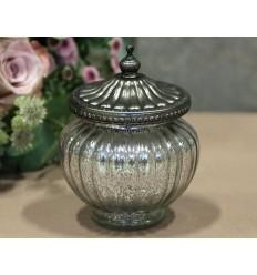 Glas mit Perlenkante