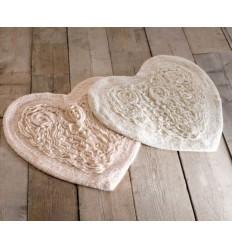 Badteppich in Herzform