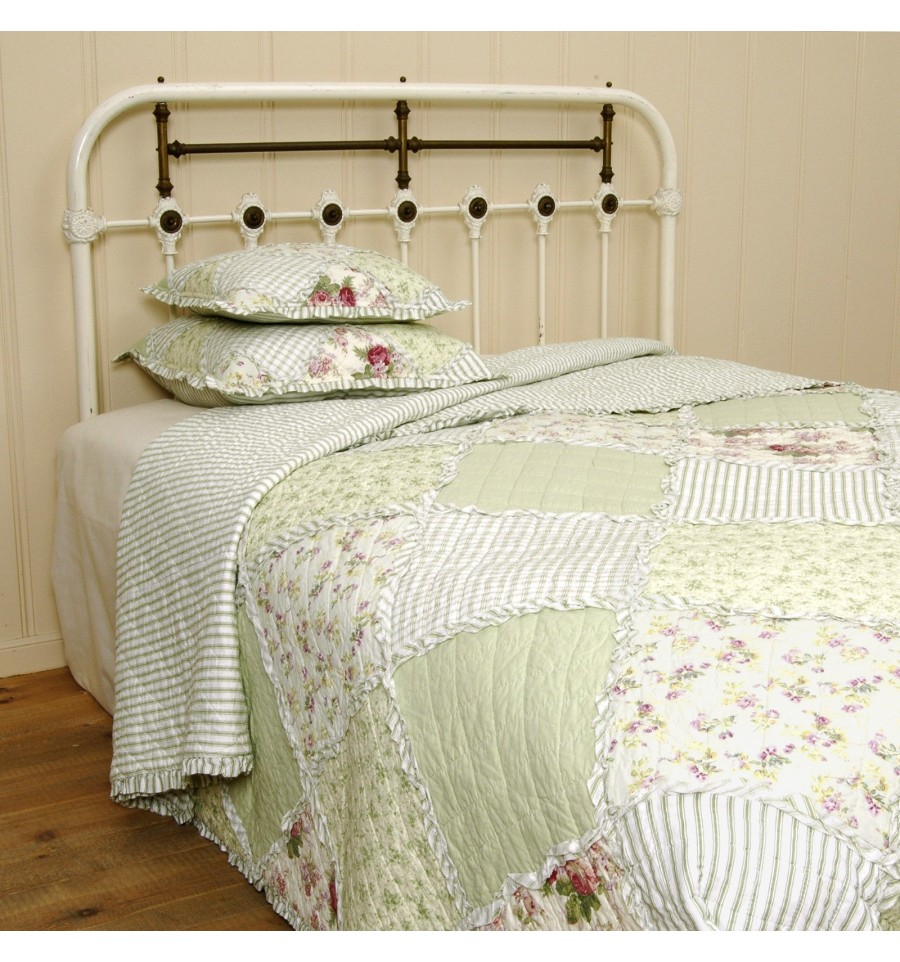patchwork tagesdecke 39 gr ne wiese 39 tagesdecken plaids. Black Bedroom Furniture Sets. Home Design Ideas